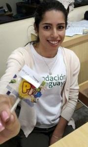 Colaboradora con un mensaje contra la violencia Foto: Fundación Paraguaya