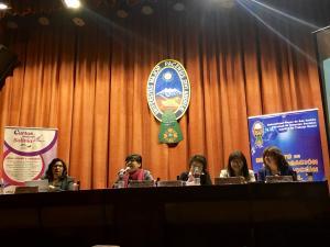 Las investigadoras: Julieta Mendoza, Gisela Campos, Maritza Vargas y Mirna Aliaga, acompañadas por la coordinadora de las investigaciones, Carmen Sánchez.